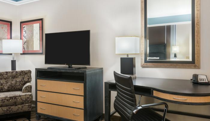 TV & Desk