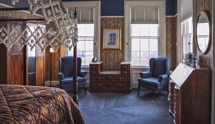 South Lake Room - Victorian Inn