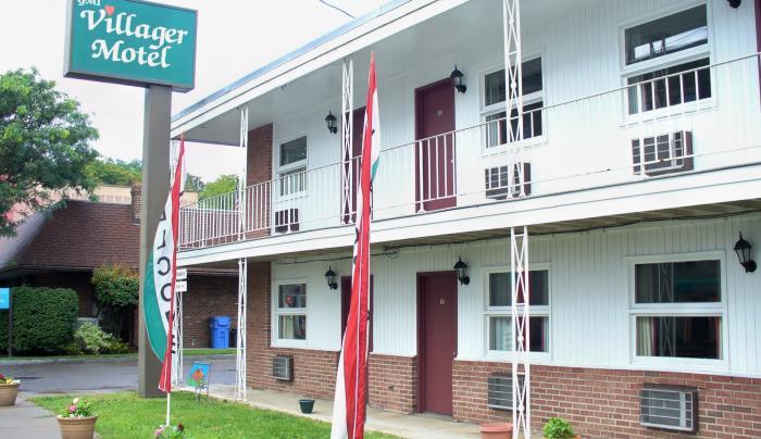 Motel conveniently located in downtown Watkins Glen