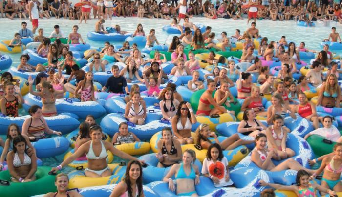 Splashdown - Wave pool