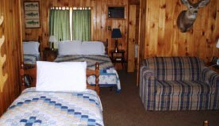 Double Eagle Lodge, Inc. Bedroom