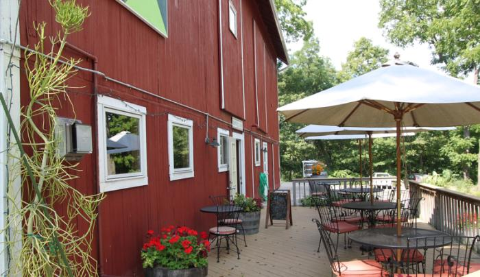 billsboro-winery-geneva-exterior-patio-tasting-entrance-side