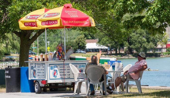 Photo of a hot dog cart at the Canandaigua City Pier