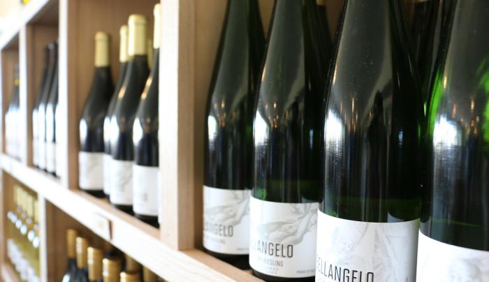 branch-by-bellangelo-geneva-interior-bottles