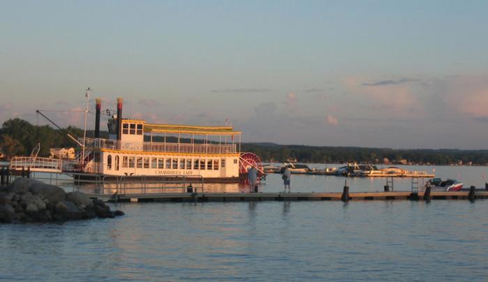 canandaigua-lady-canandaigua-exterior-docked-sunset
