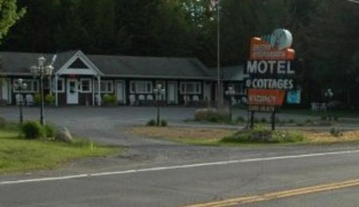 Deer Meadows Motels and Cottages