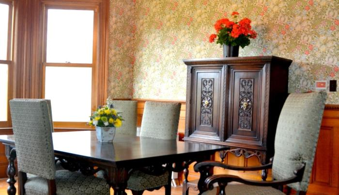 Edgemont B&B dining room.