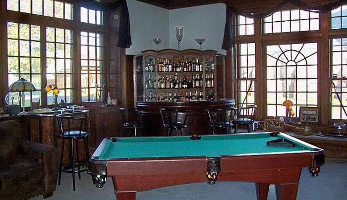 Erie Mansion Pool Table