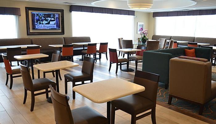 Holiday Inn Express Cheektowaga Northeast