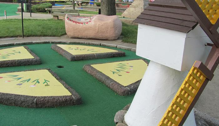 Around the World Minature Golf ~ Around the US Minature Golf