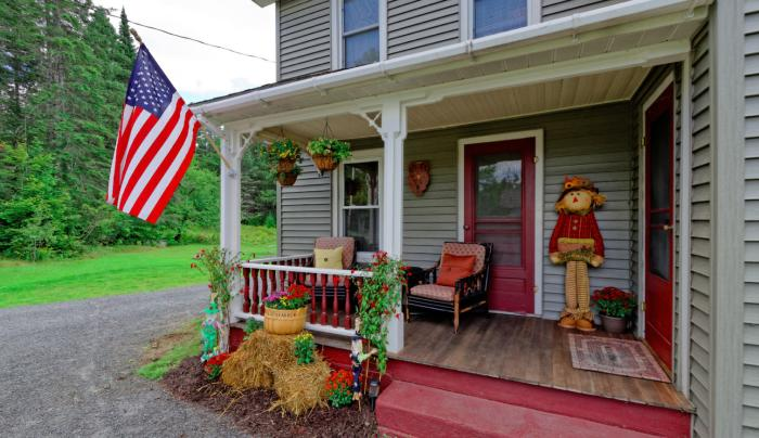 The Hoot Owl Lodge welcomes you to the Adirondacks.