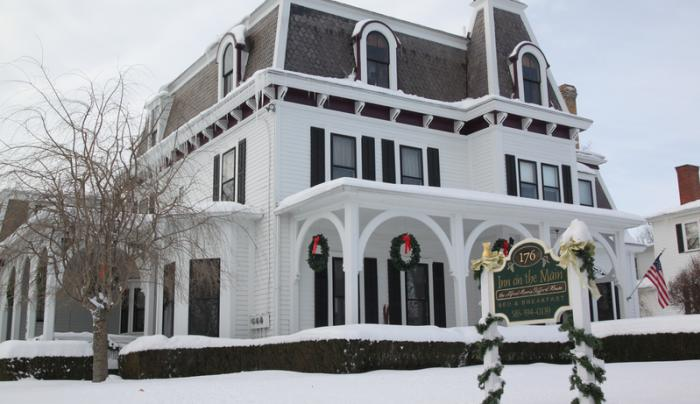 inn-on-the-main-canandaigua-exterior-winter