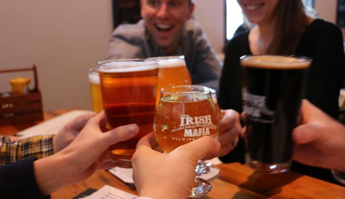 irish-mafia-brewing-bloomfield-interior-cheers