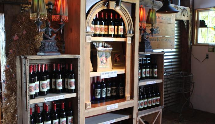 lacey-magruder-vineyard-and-winery-geneva-interior-wines