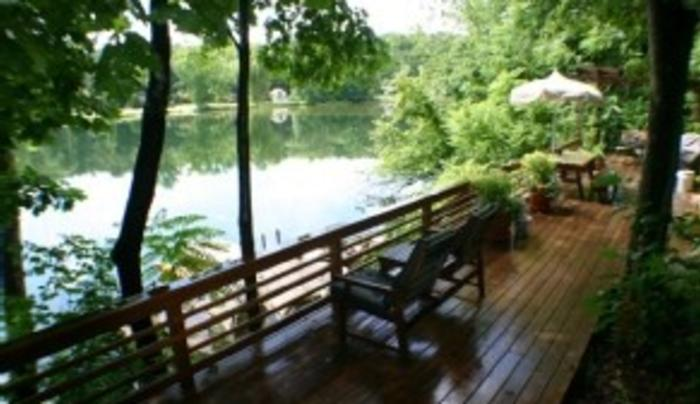 Painted Turtle Lake Cottage - porch