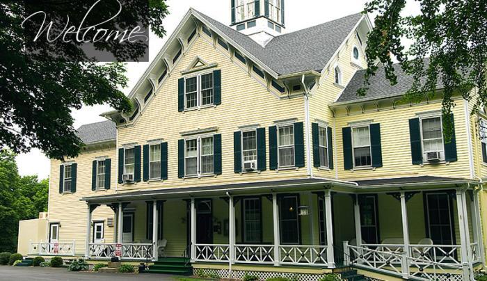 Taughannock Farms Inn and Restaurant