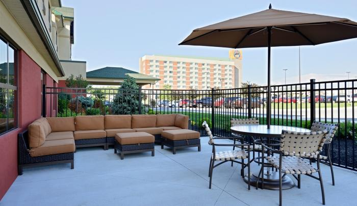 Comfort Inn & Suites Akwesasne	Patio
