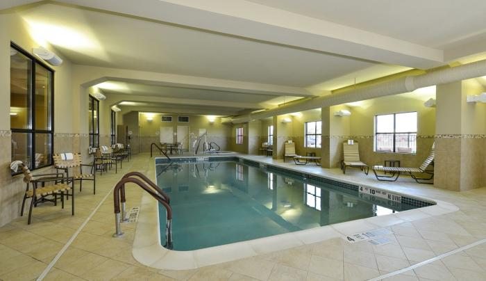 Comfort Inn & Suites Akwesasne	Pool