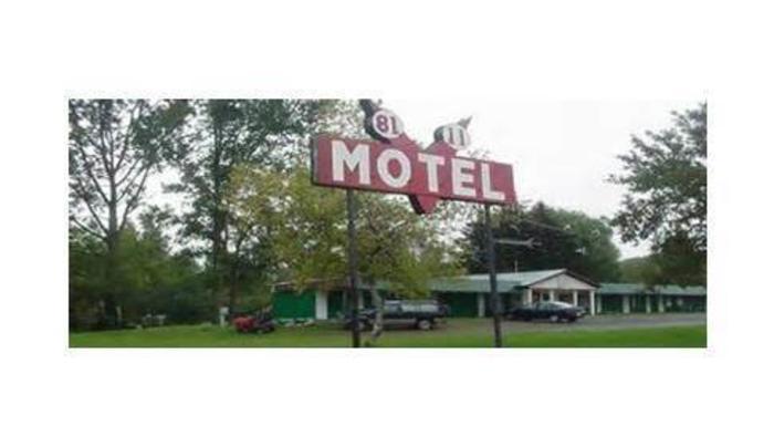 81-11 Motel