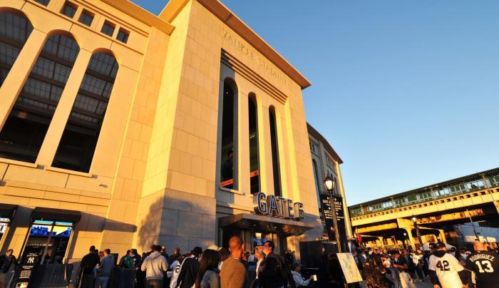 Yankees Stadium, exterior