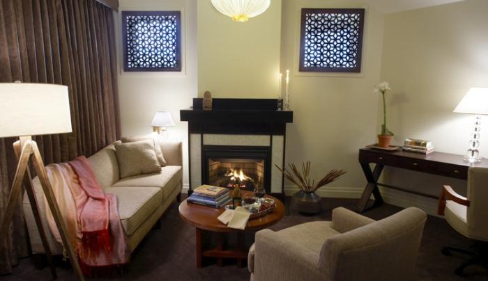 Regal_Suite_Fireplace_Light.jpg