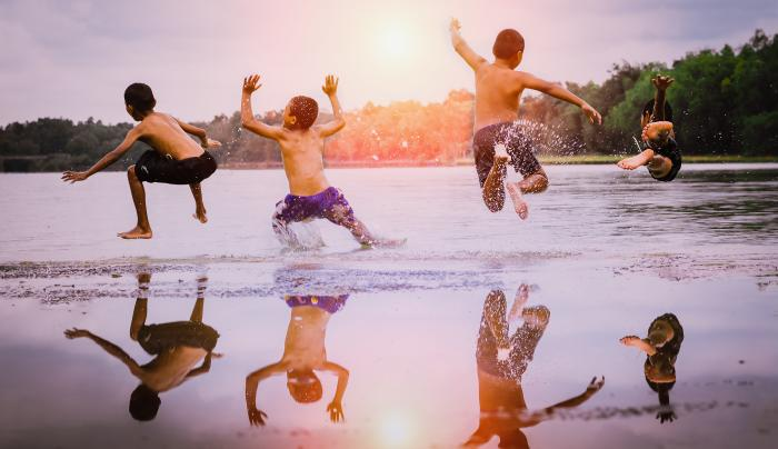 kids reflection in lake