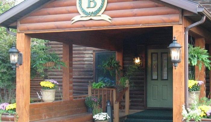Batavia CC Exterior