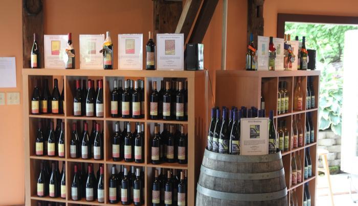 billsboro-winery-geneva-shelves