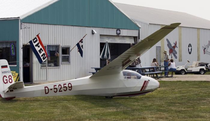Hang Gliding at Dart Airport and Aviation Museum