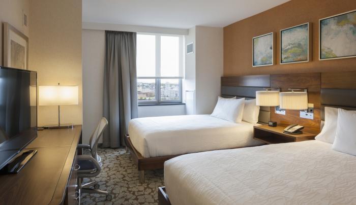 Hilton Garden Inn New York Long Island City/Manhattan View Double Queen Standard Room