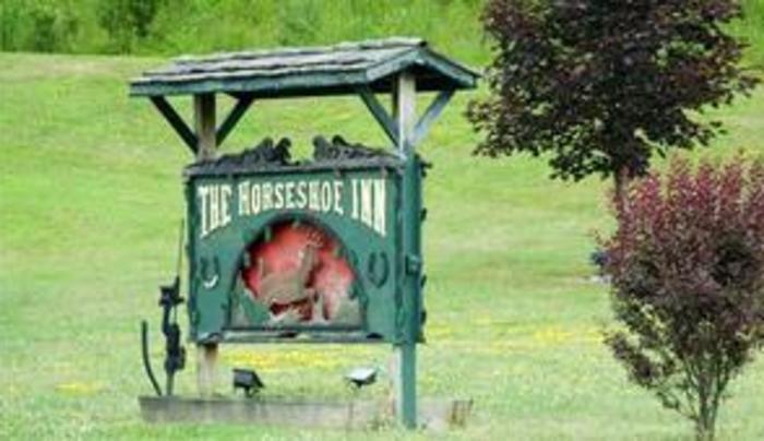 Horseshoe Inn Sign
