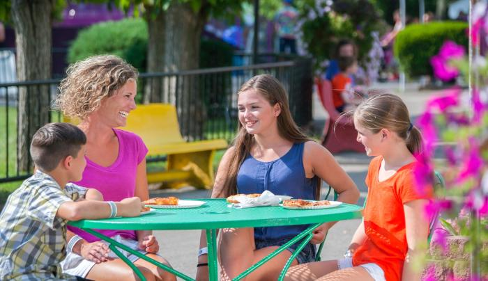 Multiple Dining Venues - Fantasy Island