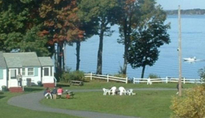 Fair Wind Motel & Cottages