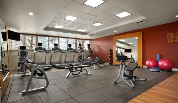 Hilton New York JFK Airport Fitness Center