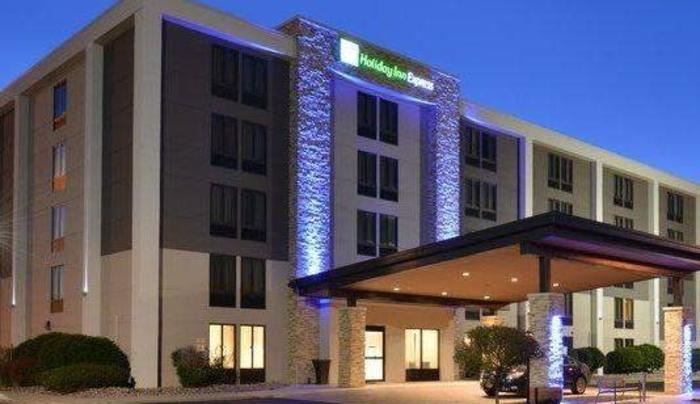 Holiday Inn Express Rochester University Area