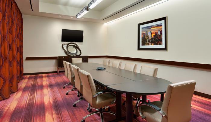 Hampton Inn Boardroom