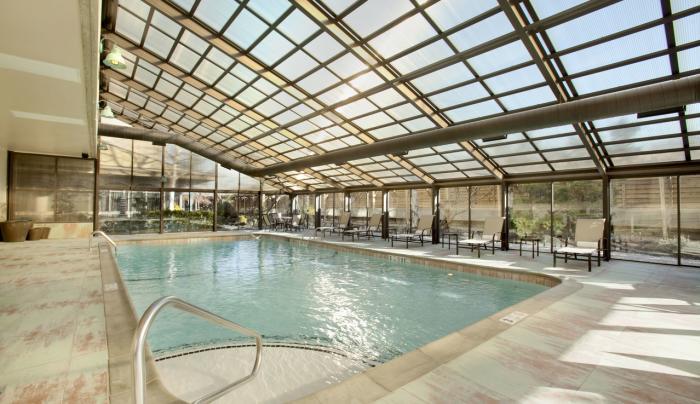Hilton New York JFK Airport Heated Indoor Pool