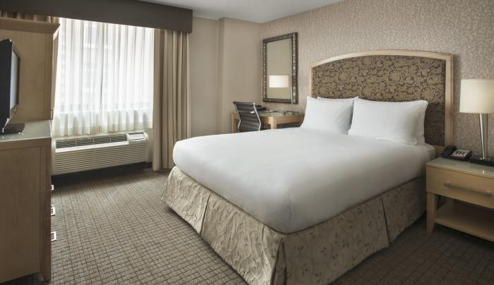 DoubleTree 2 Queen Bed Guest Room