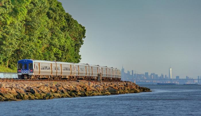 Hudson Line Courtesy of MTA Metro-North Railroad - Photo by Frank English