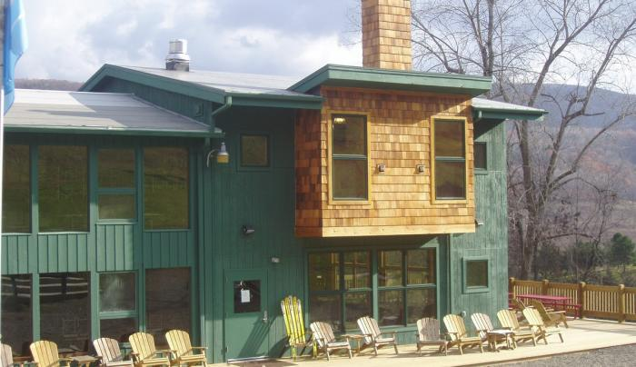 Exterior of a lodge at Hunt Hollow