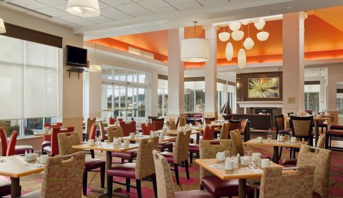 Hilton Garden Inn Islip MacArthur Airport Hotel Restaurant