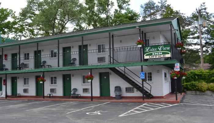 Lake View Inn 1