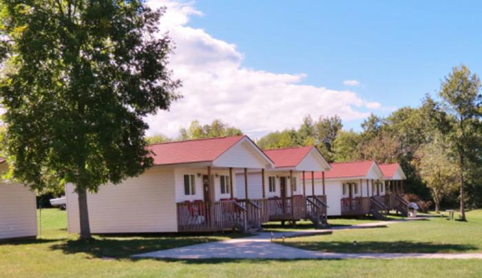Lakeview Motel and Cottages