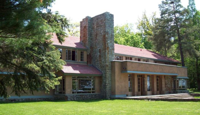 Graycliff Isabelle R. Martin House Summer North Side