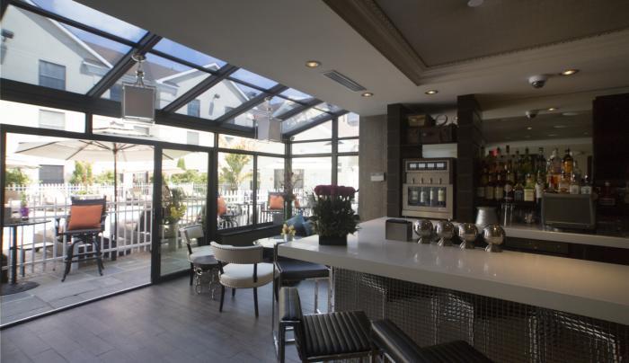 Wine Bar & Lounge