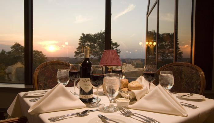 Horizon's Restaurant at Woodcliff Hotel & Spa