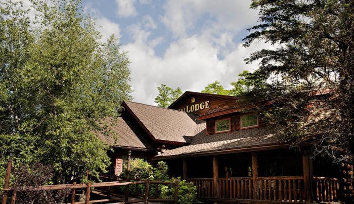 Lodge-Outside
