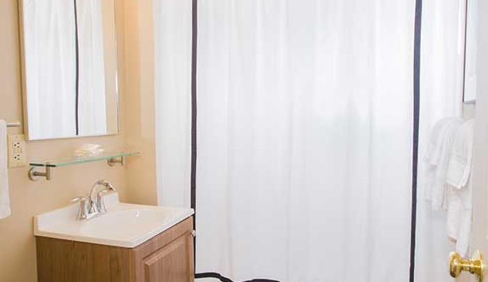 Kaatsbaan Lodge bathroom