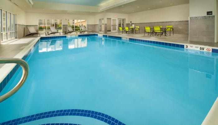 Heated Saltwater Pool