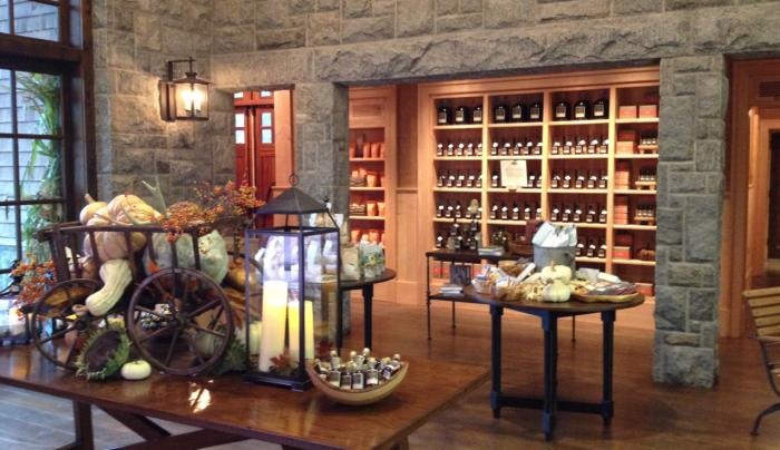 Crown Maple - lobby